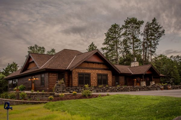 01-Cover-Boyd-Lodge-Check-In-Exterior-23