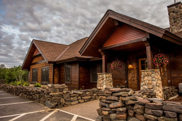 Boyd-Lodge-Check-In-Exterior-29